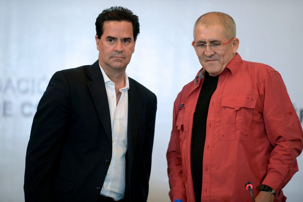 Los negociadores del Gobierno, Frank Pearl, y del Eln, Antonio García. / El Espectador